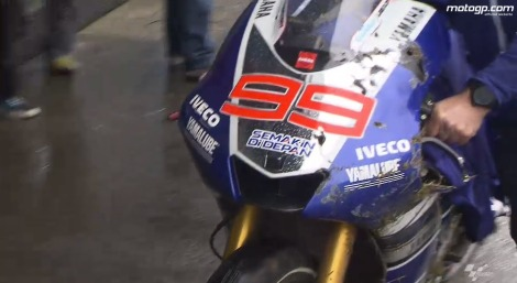 Lorenzo_Crash_MotoGP_Assen_2013_32